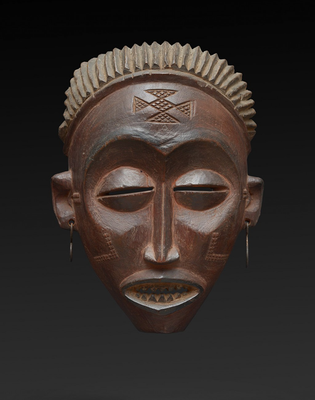 Tchokwe, Democratic Republic of Congo Wood - height 24 cm Provenance: Old French collection